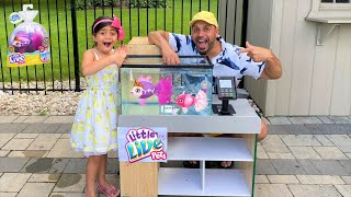 Swimming Pet Fish Surprise!! Lil Dippers with Sally -family fun