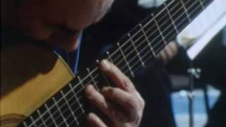 Julian Bream plays Concierto de Aranjuez by Joaquin Rodrigo (Part 1)