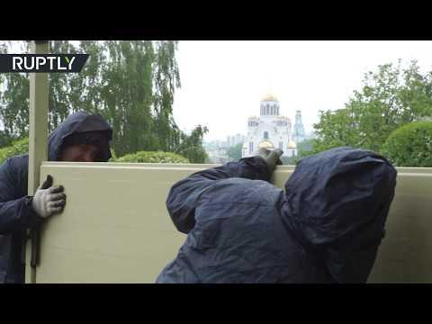 В Екатеринбурге сносят ограждение на месте строительства храма