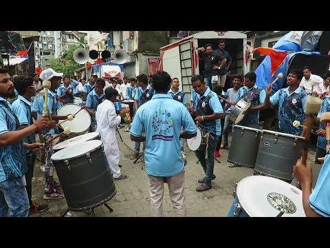 Zing Zing Zingat Sairat + Deva Ho Deva : Sai Siddhi Musical Group : Khetwadi Cha Ganraj Padya Pujan