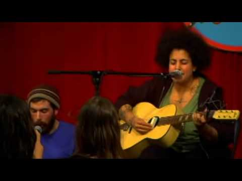 Kimya Dawson - Tire Swing Live (Amoeba Music)