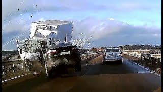 Dashcam Russia - Crazy Drivers and Car Crashes 2019