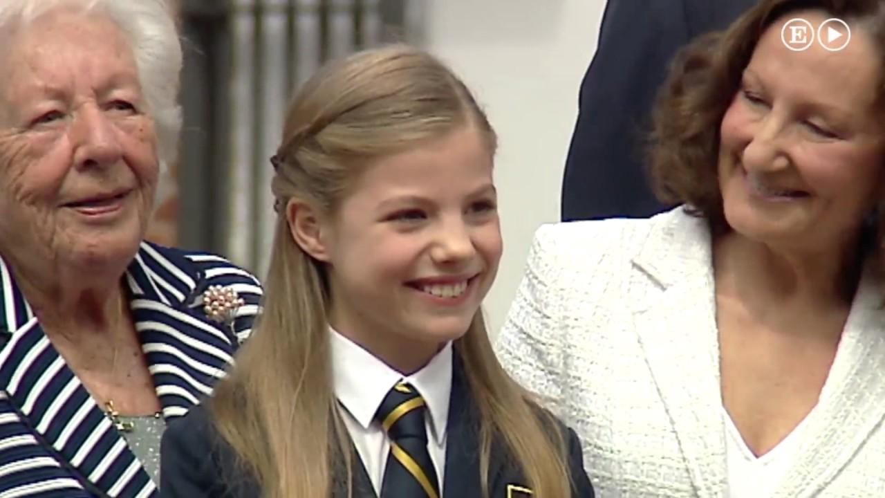 La Infanta Sofia En Su Primera Comunion Gente Youtube