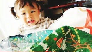【こなつ5歳☆はな1歳】クリスマスの朝‼♡サンタさんが来たよ