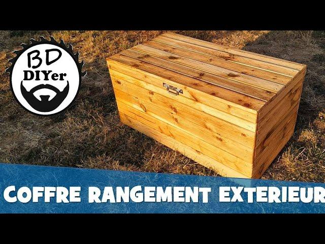 un coffre exterieur en bois