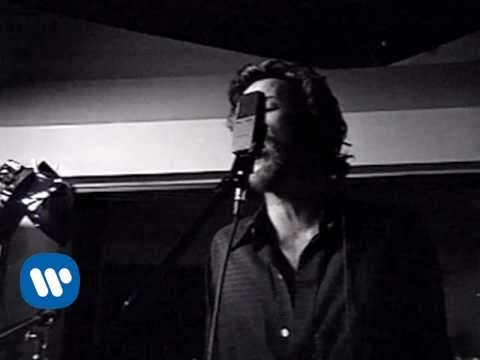 Stone Temple Pilots - Trippin' On A Hole In A Paper Heart (Official Music Video)