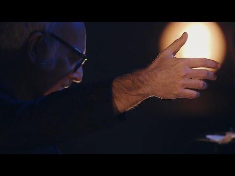 Ludovico Einaudi – Logos (Live A Fip 2015)