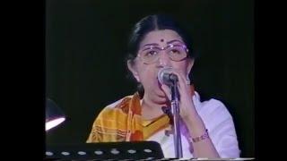 pyar Kiya to darna kya, song ,Lata Mangeshkar - Medley Part 1 of 2 (Live Performance)