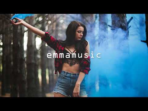 The Chainsmokers Style Mømøs Tell Me How ft  Addie Nicole emmamusic