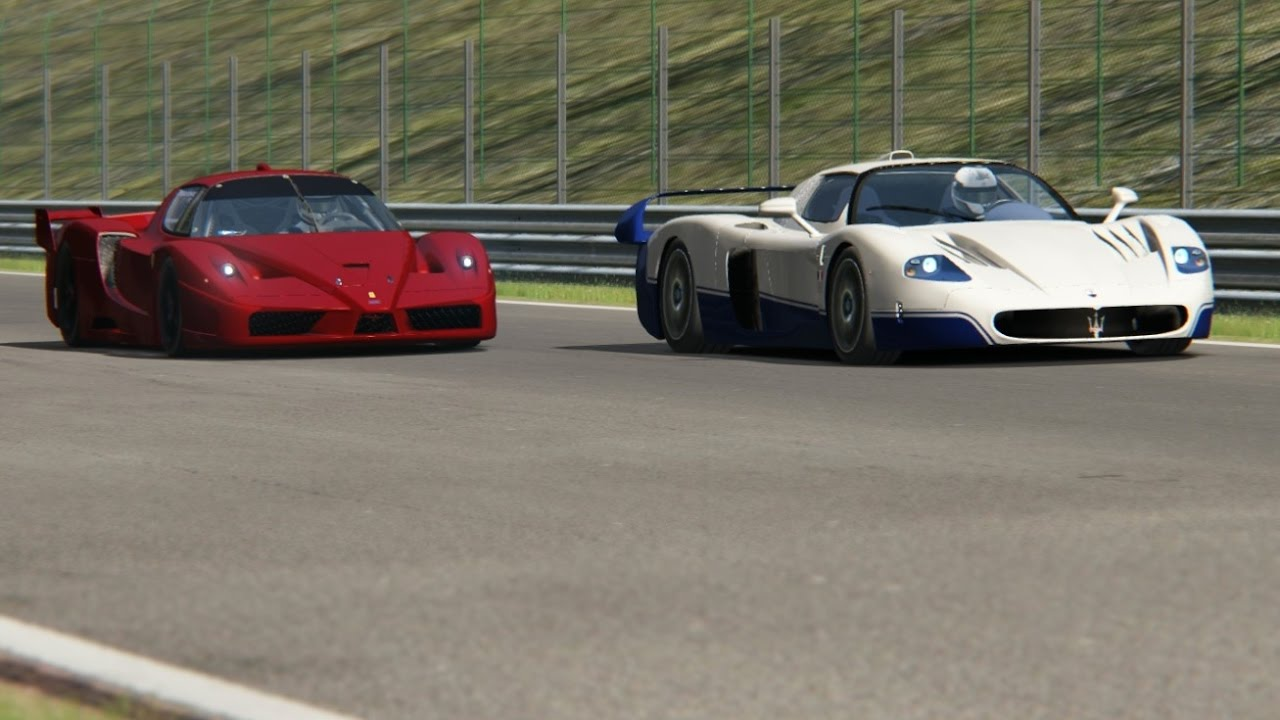 battle ferrari fxx vs maserati mc12 racing at spa-francorchamps
