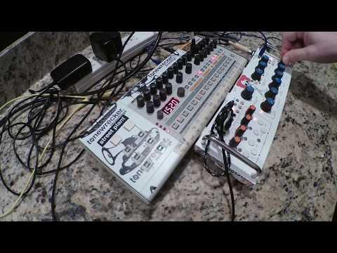 Roland TR-09 vs Rare Waves Grendel RA-9 Grenadier synth/filter - noodle jam
