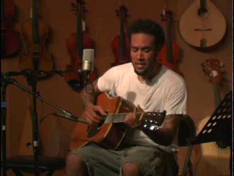 Ben Harper - There will be a light (open mic at the Folk Music Center)