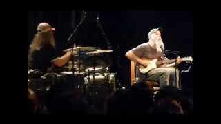 "SEASICK STEVE & DAN MAGNUSSON "" BARRACUDA 68 "" au BATACLAN à PARIS 21 05 2015"