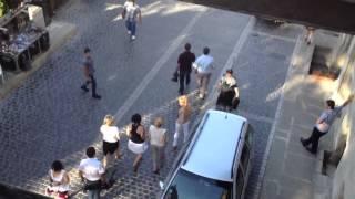 Шок на передаче жди меня в Азербайджане видео номер 2(Передача жди меня в Азербайджане на видео заметна как женщины обнимающие друг друга 1 минуту назад идут..., 2012-08-10T18:16:21.000Z)