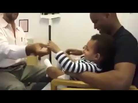 Ablenkung Kinderarzt Impfung