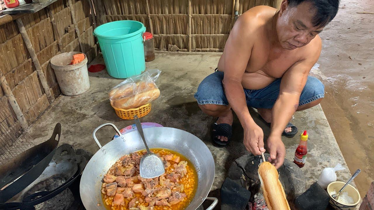 Gà Dai Nấu Đậu # Ăn Với Bánh Mì Nướng Mọi - TVQT.108