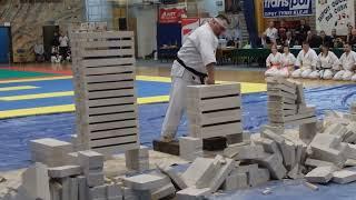 Pokaz Tameshiwari na Eliminacjach do ME Karate Shinkokushin 2015 Tarnów