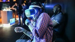 VR очки виртуальная реальность от Sony Playstation тестируем в Крыму