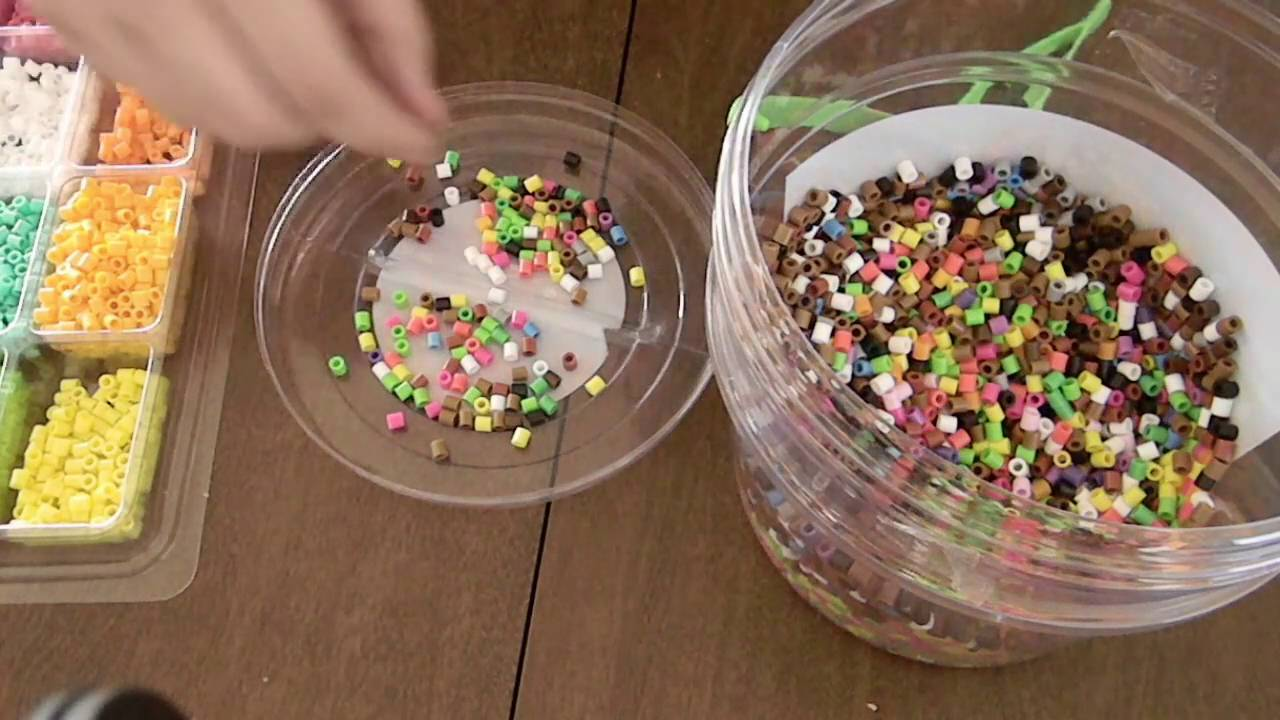 [ ASMR ] Sorting Perler Beads by Color - Plastic tapping, Sifting Sounds