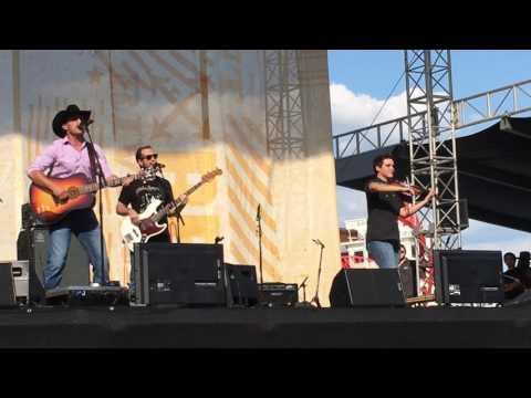 Aaron Watson Getaway Truck Live CMA fest 2017