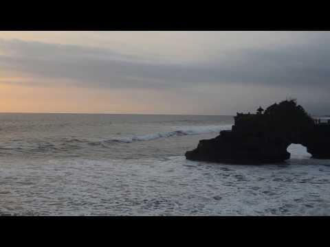Pura Batu Bolong, Tanah Lot, Bali