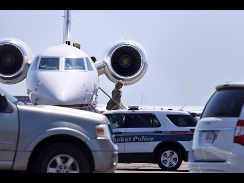 Hillary Clinton Flies on Private Jet for 30 Mile Trip