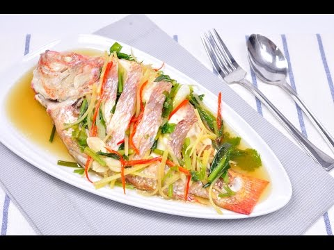 Steamed Fish with Soy Sauce - Pla Neung See Ew ปลานึ่งซีอิ๊ว [4K]