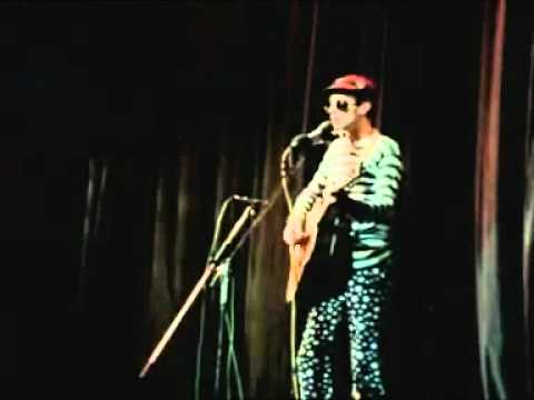 neil innes - protest song (secret policemans balls)