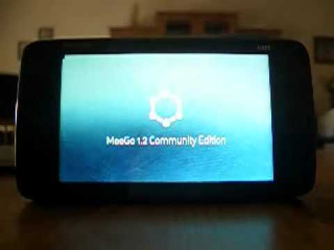 Nokia N900 booting MeeGo 1.2 Community Edition