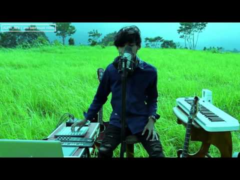 Menghapus Jejakmu [peterpan] ONE MAN show music cover by Alffy_Rev