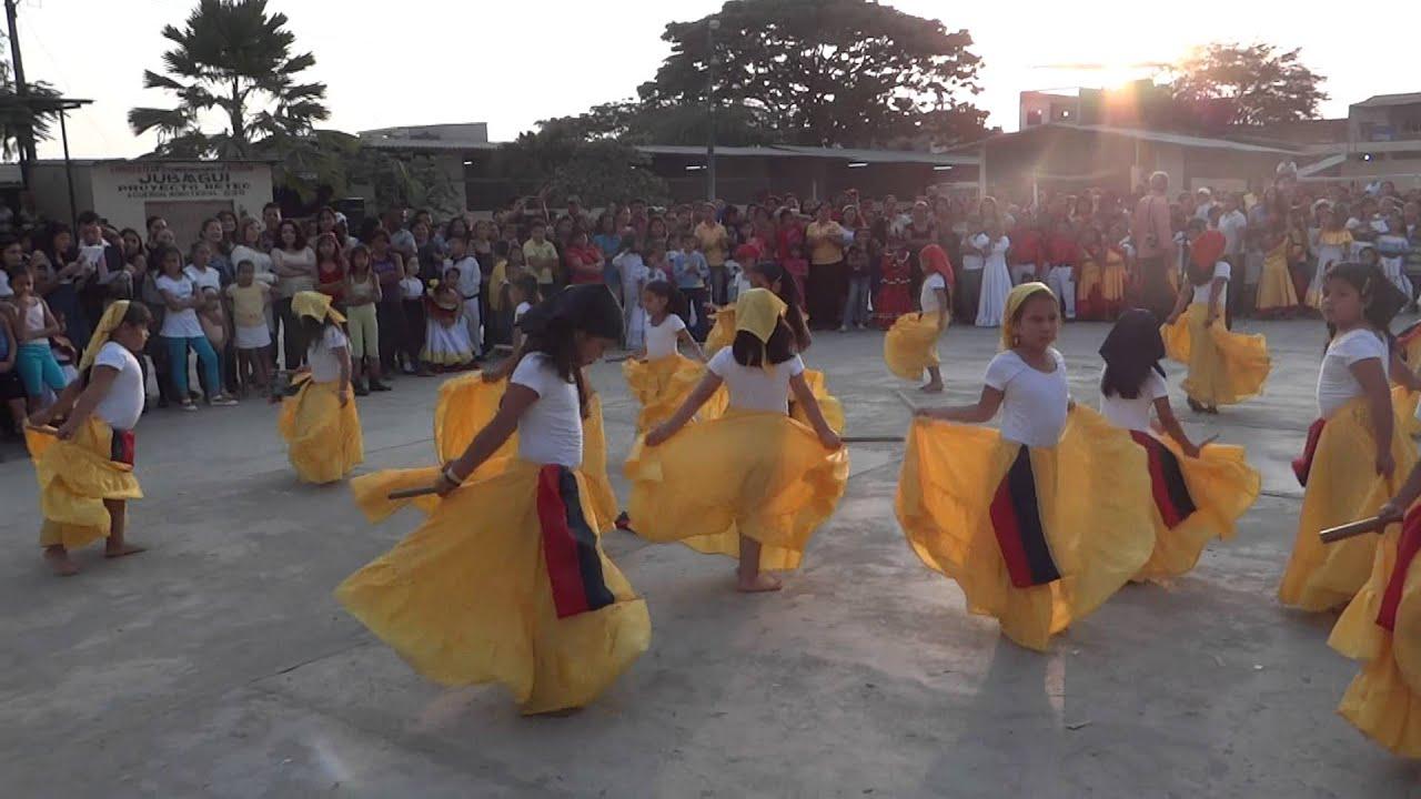 Alumna del 28 de mayo en el parque mamando guayaquil - 4 6