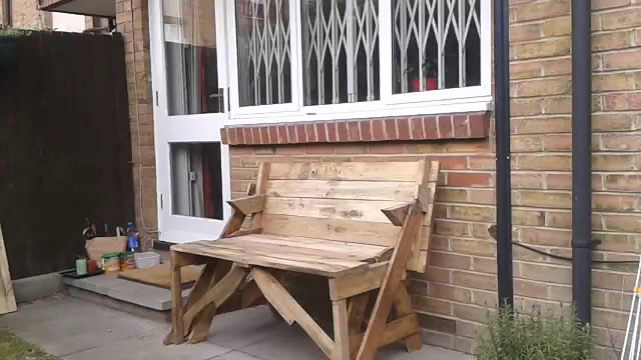 Banco mesa madera reciclada palette youtube for Bar con madera reciclada