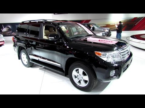 2013 Toyota Land Cruiser - Exterior and Interior Walkaround - 2013 Detroit Auto Show