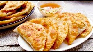 Накануне Рамадана крымские татары жарят мучные блюда