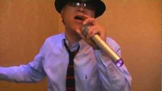 ホリーズのバスストップを歌っちゃってるオヤジ!!