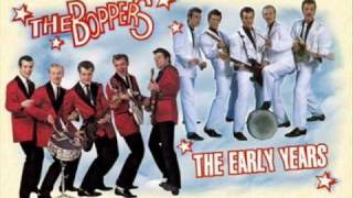 The Boppers - Kissing in the moonlight.