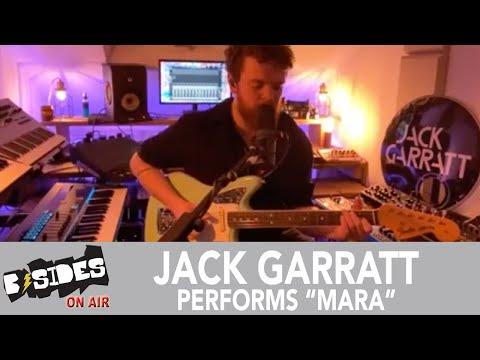 "Jack Garratt Performs ""Mara"" From His Home Studio"
