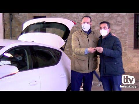 VÍDEO: La Peña Amigos de los Magos entrega las tres super cestas y el coche sorteados este año