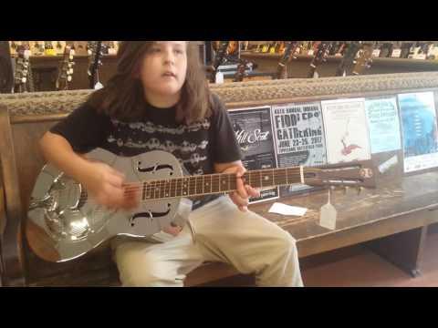 06-12-17 - Draken Asher Mogollon - Falling in Love at Arthurs Music Store - Fountain Square