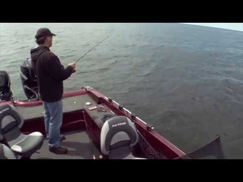 Fishing Tip - Deep Clear Water Jig Techniques S10E01