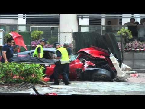 Car crash - Ferrari 599 GTO Vs Taxi in Singapore