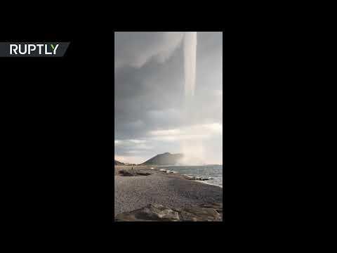 لحظة تشكل إعصار ضخم فوق البحر الأبيض المتوسط  - نشر قبل 4 ساعة