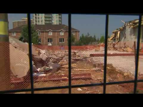 First tour of destroyed Mississauga neighbourhood after house explosion