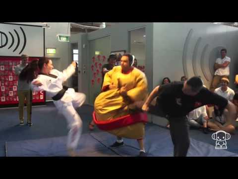 Extreme Karaoke - Sumo Slam