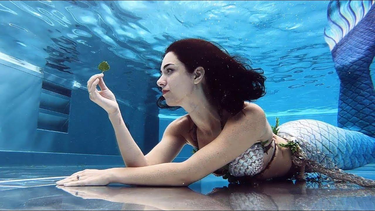 Real-Life Mermaid in Mirror-Like Pool   Stella the Siren
