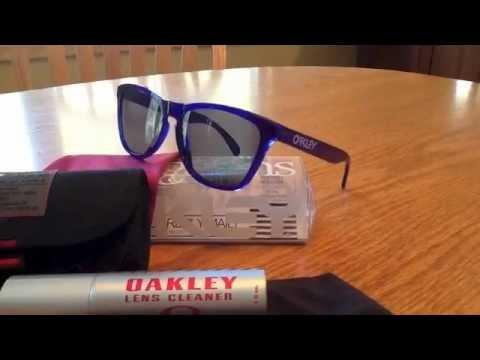 85533ce165e oakley frogskins crystal blue - YouTube