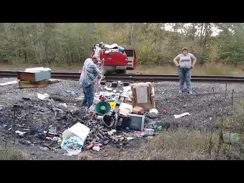 Hilarious! Caught Dumping! Part 1Kaynak: YouTube · Süre: 13 dakika45 saniye