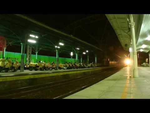 [HD] The Delay Taiwan TRA down Chu-Kuang Express Train no. 527 (E203) arrive and depart Taichung