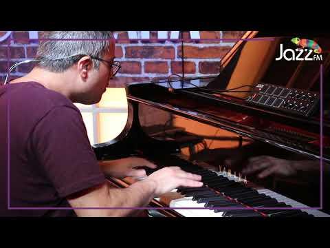 Adam Ben Ezra Performing 'Chasing the Rabbit' at Jazz FM