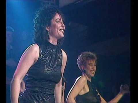 Dolly Dots - Hearts Beat Thunder (07-02-1987, HQ)